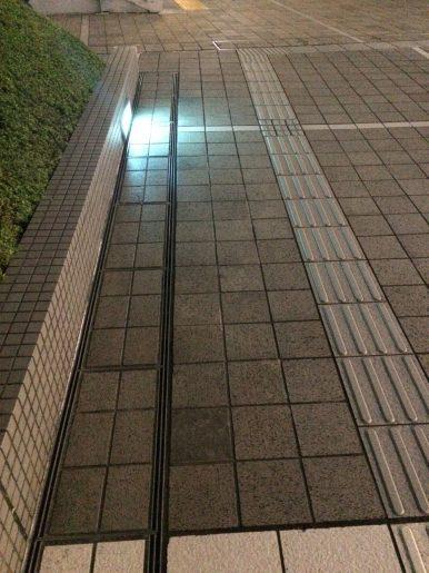 スターバックス・新宿サザンテラス店